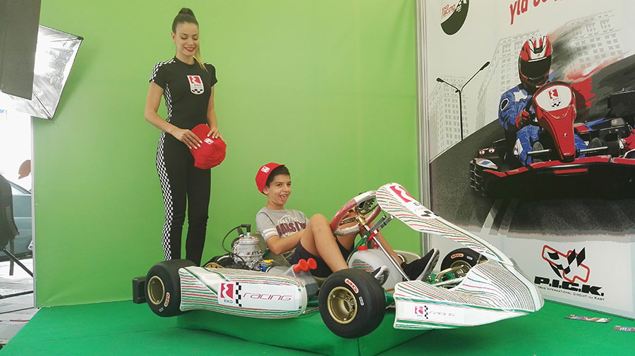EKO-green-screen-activation-Kart-1